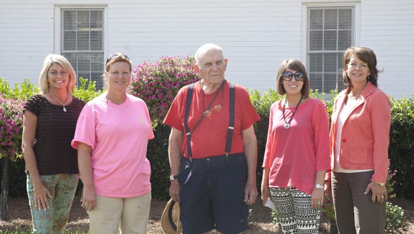 America in Bloom judge Dwight Lund (center) is shown with, from left, Jenn Tate, Demopolis horticulturist Barbara Blevins, Morgan Allen and Diane Brooker.