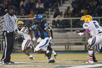 Roderick Davis finds a hole against Jackson. He ran for 104 yards and a touchdown on 17 carries in the game.