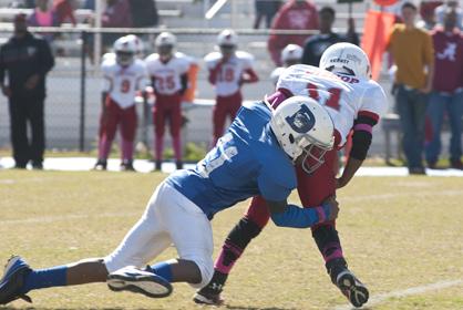 Jataurrean Jones makes a tackle for Demopolis' 9/10 team.