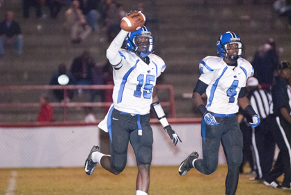 Cortez Lewis celebrates a fumble recover in the third quarter.