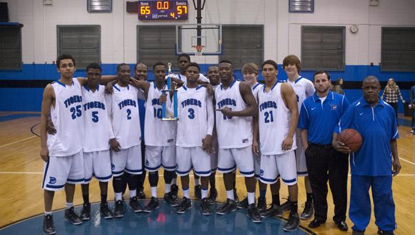 The Demopolis High School Tigers won the 2013 Demopolis High Christmas Tournament.