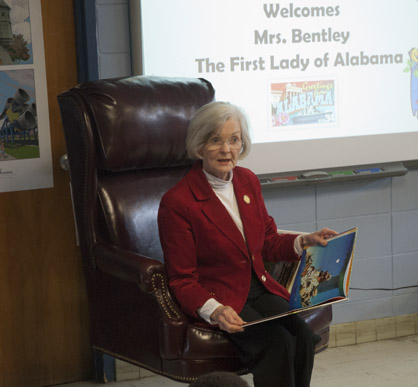 First Lady Dianne Bentley reads to students at U.S. Jones.