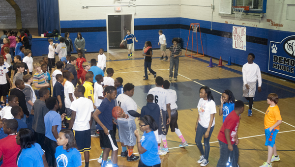 Demopolis Middle School held their annual Hoops for Heart event Friday, March 21. The school raised $9,303 for the American Heart Association.