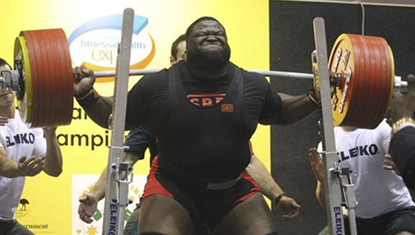 Ray Williams set the world record in raw squat with a lift of 903.8 pounds.