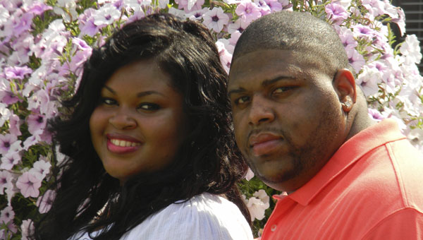 Cassie Cantrelle London will marry Laron Jermaine Davis on Saturday, Sept. 6 at Christian Chapel Baptist Church in Demopolis.