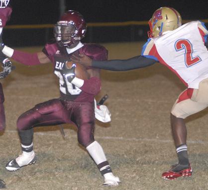 Samuel Monroe evades a tackler.